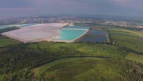 Vista aérea de los Bashkir Soda Company de Shihan Kushtau almacen de metraje de vídeo