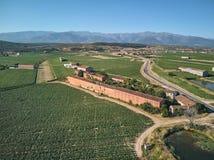Vista a?rea de los campos cada vez mayor del tabaco en el La Vera, Extremadura espa?a En el fondo Sierra de Gredos fotografía de archivo