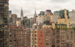 Vista aérea de los edificios de Manhattan Horizonte de la metrópoli imágenes de archivo libres de regalías