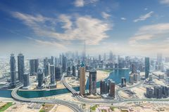 Vista aérea de los rascacielos modernos de la ciudad en Dubai, UAE Foto de archivo