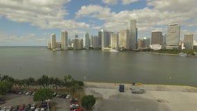 Vista aérea de Miami céntrica Nublado y día soleado La Florida, los E metrajes