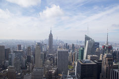 Vista aérea de Midtown Manhattan desde arriba de la plataforma de observación de la roca en el centro de Rockefeller Foto de archivo