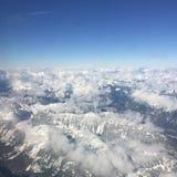 Vista aérea de montañas nevadas Fotografía de archivo libre de regalías