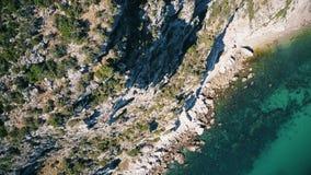 Vista aérea de montanhas de Arrabida, Setubal, Portugal video estoque