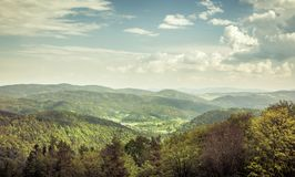 Vista aérea de montanhas de carpathians Fotografia de Stock Royalty Free