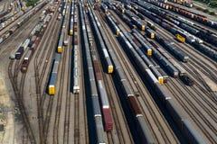 Vista aérea de muitos carros de trem em trilhas Imagem de Stock Royalty Free