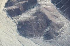 A vista aérea de Nazca alinha - o geoglyph do astronauta, Peru imagens de stock