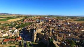 Vista aérea de Olite, España almacen de metraje de vídeo