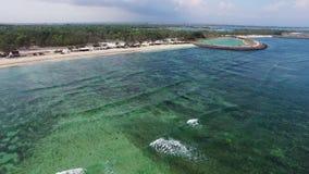 Vista aérea de ondas enormes en el Océano Índico almacen de metraje de vídeo