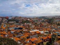 Vista aérea de Oporto, Portugal en un día nublado foto de archivo libre de regalías
