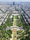 Vista aérea de Paris central da torre Eiffel fotos de stock