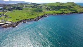 Vista aérea de Portnoo en el condado Donegal, Irlanda almacen de video