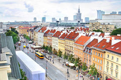 Vista aérea de rascacielos y de la ciudad vieja en Varsovia, Polonia Imagen de archivo
