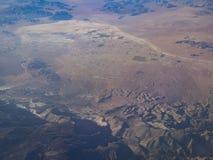 Vista aérea de San Bernardino Mountains y del valle de Alfalfa, visión imagen de archivo libre de regalías