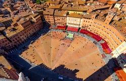 Vista aérea de Siena, Campo Square Piazza del Campo en Siena imágenes de archivo libres de regalías