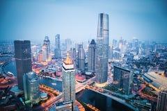 Vista aérea de tianjin no anoitecer foto de stock