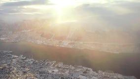 Vista a?rea de Tromso, Noruega por la ma?ana Vista del fiordo septentrional famoso desde arriba almacen de video