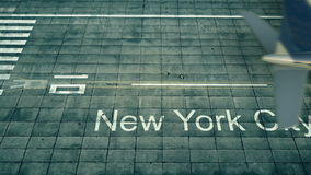 Vista aérea de um avião que chega ao aeroporto de New York City Curso à rendição do Estados Unidos 3D Foto de Stock Royalty Free