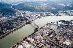 Vista aérea de uma ponte perto de Vancôver, Columbia Britânica fotografia de stock royalty free