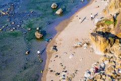 Vista aérea de uma praia idílico quieta foto de stock