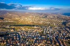 Vista a?rea de uma vizinhan?a em Limassol suburbano chipre fotografia de stock