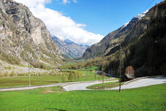 Vista aérea de un pueblo suizo del país. Foto de archivo