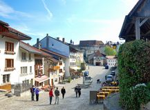 Vista aérea de un pueblo suizo del país. Imagen de archivo libre de regalías