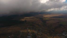 Vista aérea de un valle del otoño metrajes