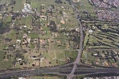 Vista aérea de una carretera típica fotografía de archivo