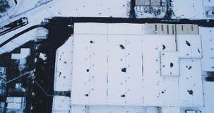 Vista aérea de una fábrica almacen de metraje de vídeo