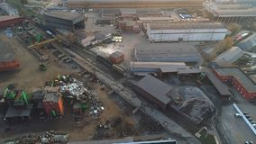 Vista aérea de una planta de reciclaje metrajes