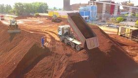 Vista aérea de una planta de tratamiento del depósito y del alúmina de mineral metrajes