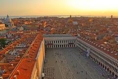 Vista aérea de Veneza da torre de sino de San Marco, Fotos de Stock