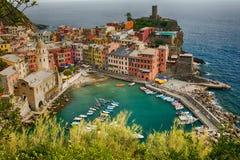 Vista aérea de Vernazza, Itália fotografia de stock
