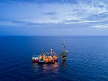 Vista aérea del aceite blando Rig Barge Oil Rig de la perforación Foto de archivo