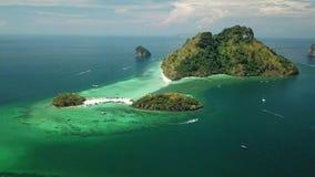 Vista aérea del arrecife de coral en la isla Krabi, Tailandia del Ao Phang Nga