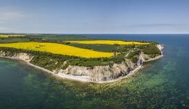 Vista aérea del cabo Arkona en la isla de Ruegen en Mecklemburgo-Pomerania Occidental foto de archivo