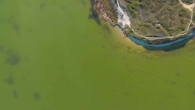 Vista aérea del cabo y del parque metrajes