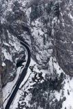 Vista aérea del camino curvy en Bicaz Chei Imagen de archivo libre de regalías