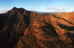 Vista aérea del camino de la montaña al pueblo de Masca en Tenerife, Canar imagen de archivo libre de regalías