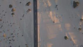 Vista aérea del camino en el desierto
