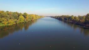 Vista aérea del canal del rowing metrajes