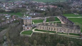 Vista aérea del castillo de Bolsover, castillo del siglo XVII metrajes