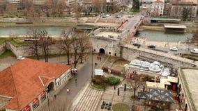 Vista aérea del castillo medieval Mediana en Naissus metrajes