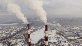 Vista aérea del chimeneas almacen de metraje de vídeo