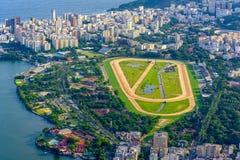 Vista aérea del club de jockeys y de Leblon en Rio de Janeiro, el Brasil imágenes de archivo libres de regalías