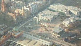 Vista aérea del cuadrado de la federación en Melbourne, Australia metrajes