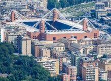 Vista aérea del ` de Luigi Ferraris del ` del estadio de fútbol de Génova, Génova, Italia En esta los equipos de Serie A del jueg fotografía de archivo