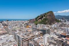 Vista aérea del distrito de Copacabana en Rio de Janeiro Imágenes de archivo libres de regalías
