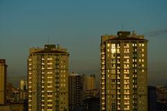 Vista aérea del distrito de Kadikoy de la ciudad de Estambul en el amanecer Fotografía de archivo libre de regalías